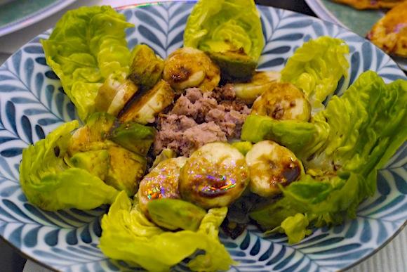 salade argentine banane avocat thon Diner argentin 2   Salade argentine & Délices au dulce de leche
