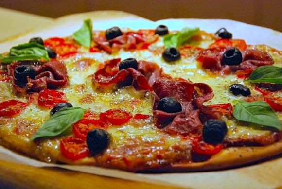 pizza-mozzarella-coppa-tomates-cerises