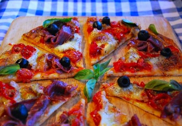 pizza-tomates-cerises-mozzarella-coppa