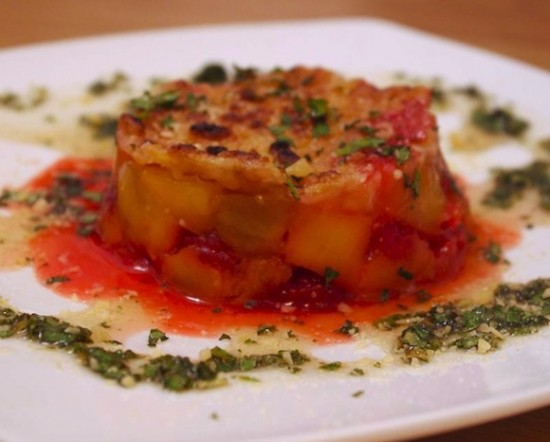 Crumble mangues-framboises, sauce Mojito