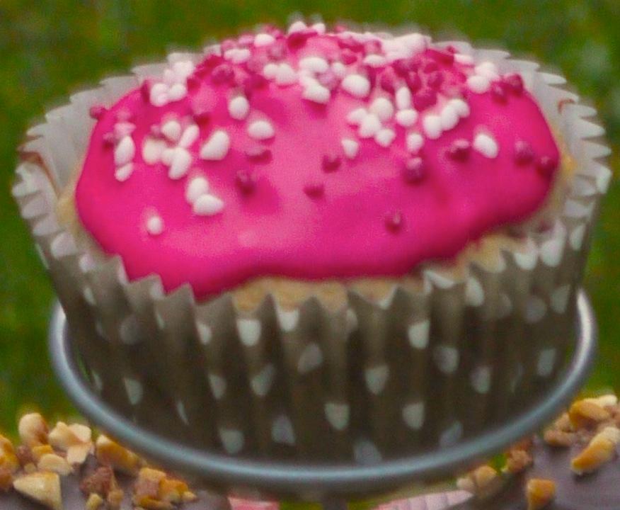 P1040615bis rose La folie des cupcakes et des muffins 1   Pyramide de cupcakes