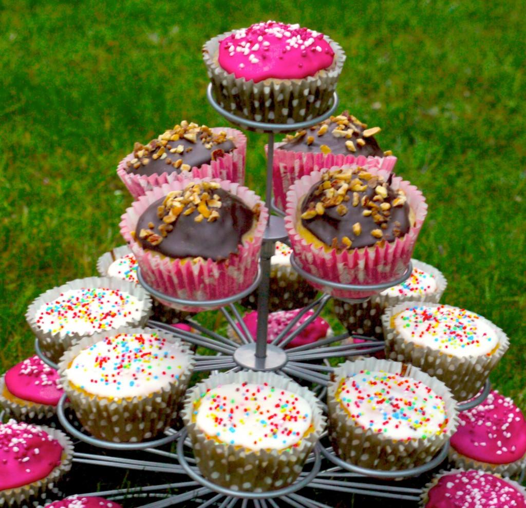 P1040618bis 1024x990 La folie des cupcakes et des muffins 1   Pyramide de cupcakes