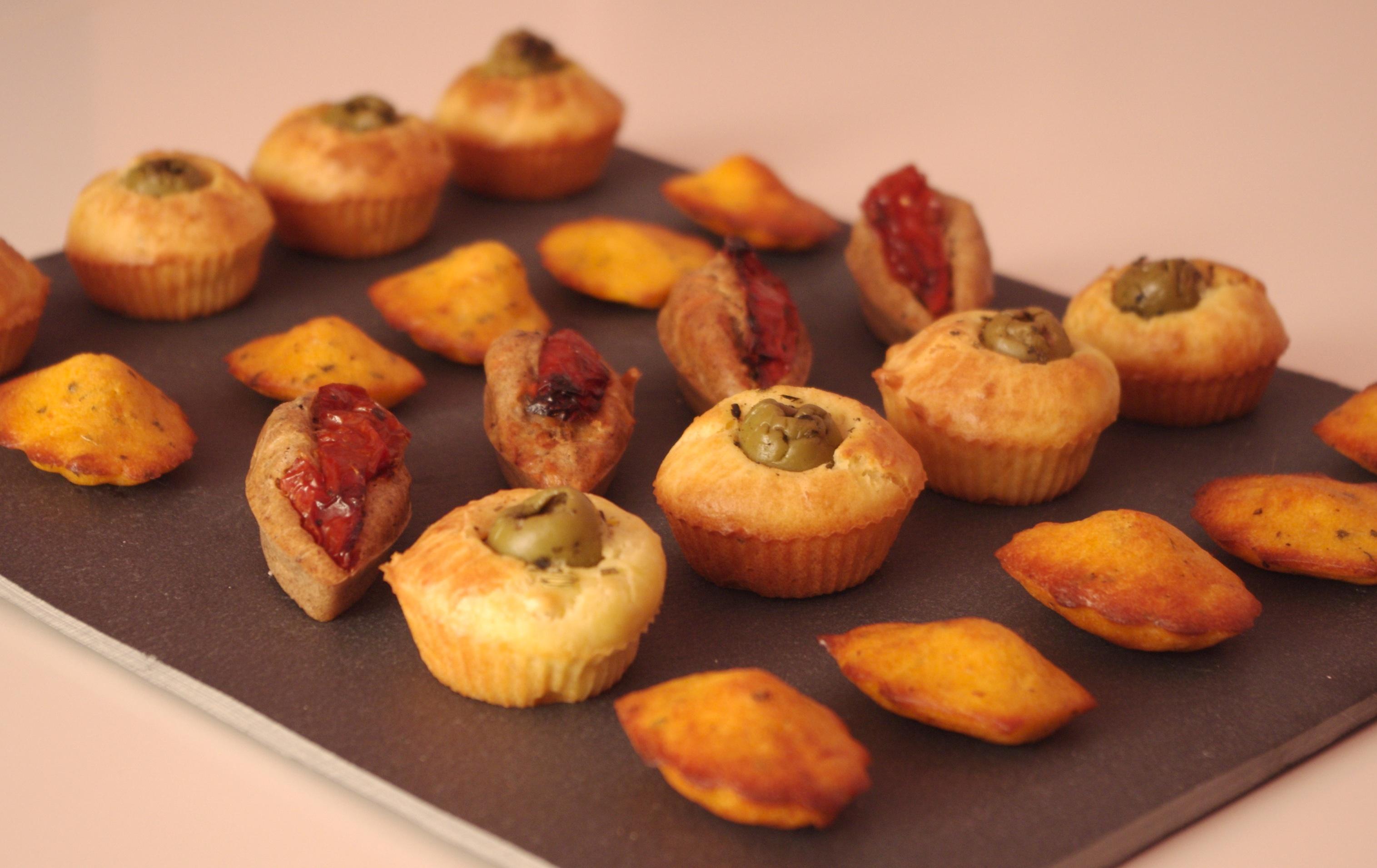 Mini-cakes tapenade-tomates séchées Mini-cakes tapenade-tomates séchées
