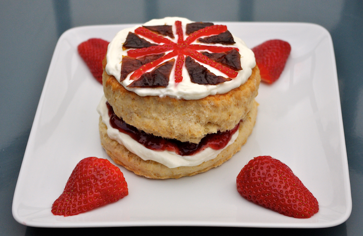 scones drapeau anglais Royal wedding party   Scones & Crème Devonshire