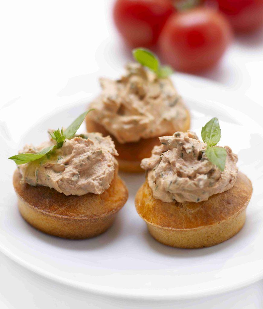 Cupcakes tout tomate de France 1 871x1024 Atelier dété   Cupcakes tout tomate & Îles flottantes au concombre et au chèvre