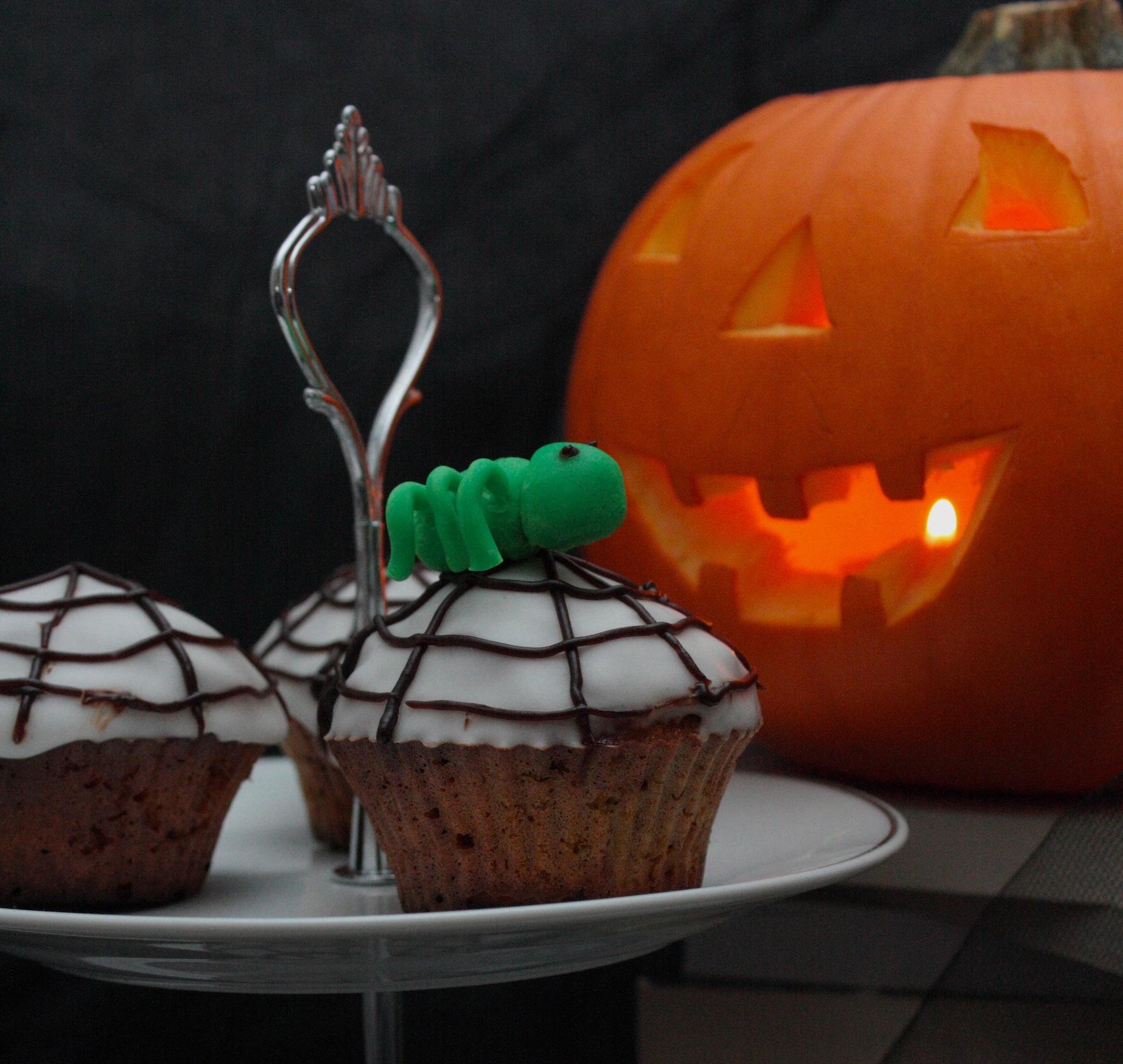 Les muffins Carrot cake, glaçage araignée