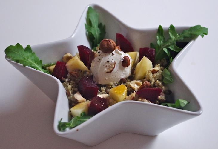 Salade quinoa/lentilles, betteraves, pommes et chèvre