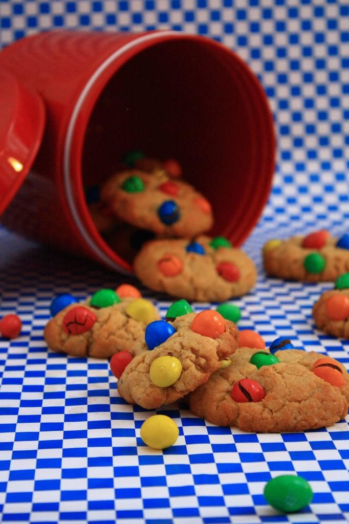 IMG 4076 682x1024 Fond dans la bouche, pas dans la main...   Cookies beurre de cacahuètes M&Ms