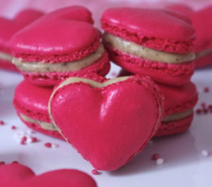 IMGP2381bis 300x264 Love is in the air #2   Macarons cœur à la réglisse