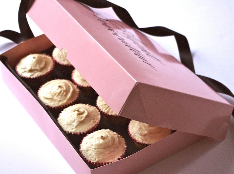 cupcakes vanille coquins glacage beurre caramel Le meilleur glaçage de cupcakes de la terre...   Cupcakes vanille & glaçage beurre, caramel, fleur de sel
