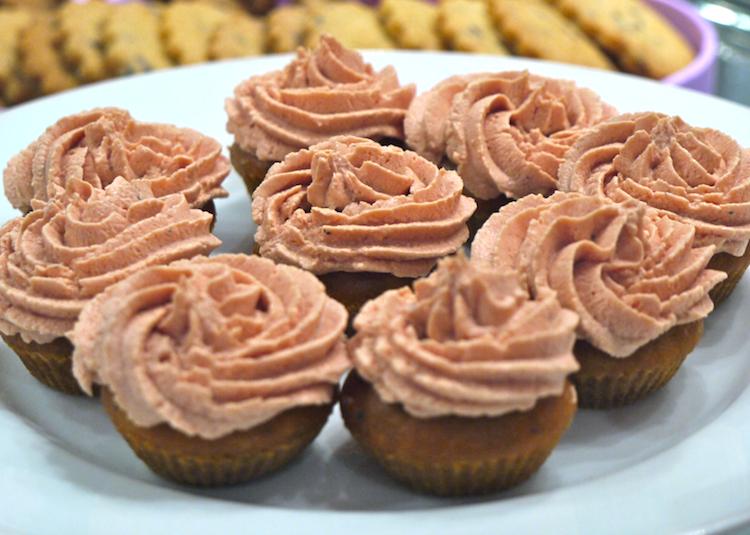 Cupcakes parmesan tomates glacage tomate Les échapées belles de Morganne Bello   Buffet salé Comme du sucré...
