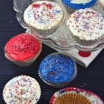 Cupcakes électoraux (cupcakes vanille, glaçage tricolore)