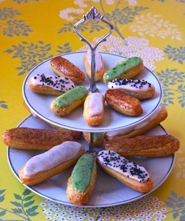 eclairs glacage vanille cafe pistache sesame 2 Eclairs en folie   Pâte à chou & Eclairs vanille, café, pistache, sésame noir (tutoriel photo)