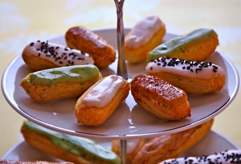 eclairs glacage vanille cafe pistache sesame Eclairs en folie   Pâte à chou & Eclairs vanille, café, pistache, sésame noir (tutoriel photo)