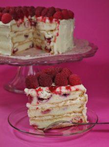 sky high gateau lorrain framboises vanille 11 223x300 Jusquau ciel?   Petite leçon de Sky High Cakes & Sky High Cake thé vert framboise