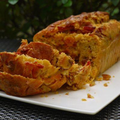 Cake chorizo, tomates séchées, parmesan