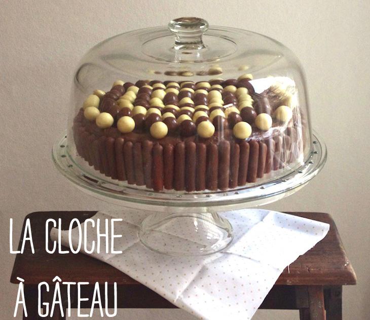 gateau noir blanc cloche gateau 1 Sous la cloche à gâteau   Gâteau damier noir & blanc