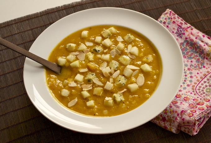 Soupe butternut-Stilton-pommes-amandes