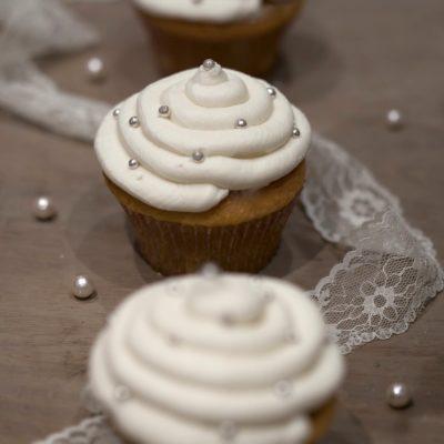 Wedding cupcakes perlés à la vanille, esprit Meryl Suissa