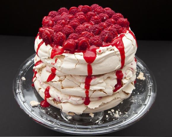 layer cake pavlova A la portée de toutes les cuisines   Sky high cake Pavlova (sans moule spécial)