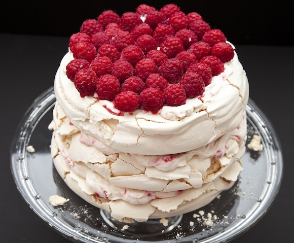 layer cake sans moule A la portée de toutes les cuisines   Sky high cake Pavlova (sans moule spécial)