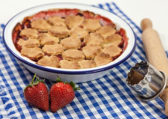 pandowdi pommes fraises rhubarbe