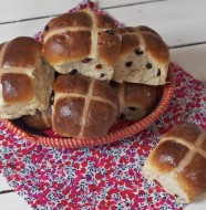Hot cross buns (brioches de Pâques)