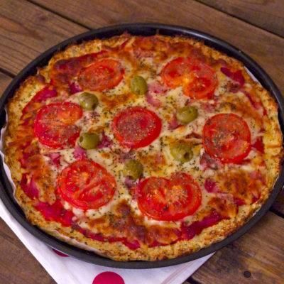 Healthy gluten free cauliflower pizza