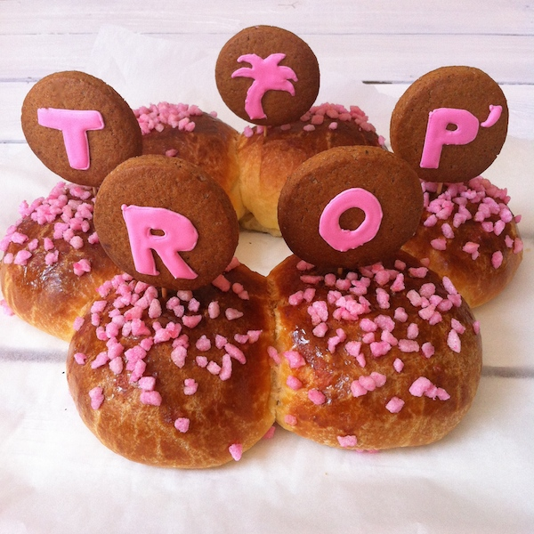 brioche-tropezienne-sucre-perle-rose