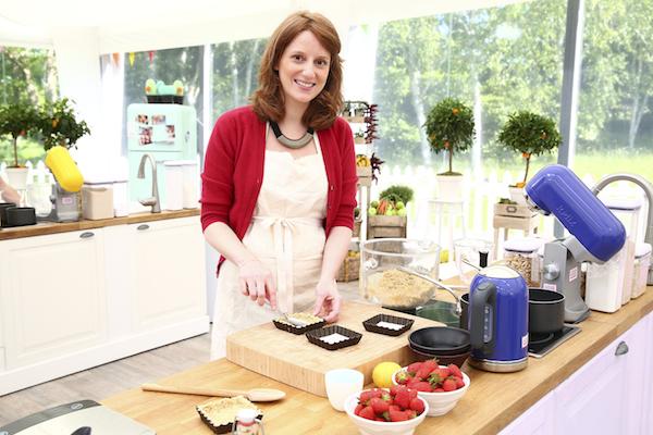 meilleur patissier Anne Sophie candidate Le Meilleur Pâtissier Semaine 4 – La tarte aux fraises
