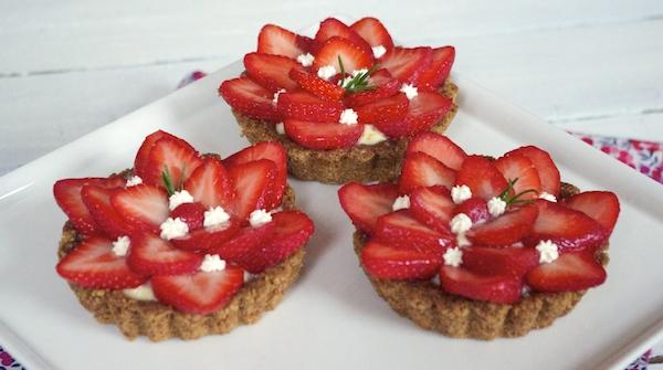tartes fraises romarin pate croustillante avoine Le Meilleur Pâtissier Semaine 4 – La tarte aux fraises