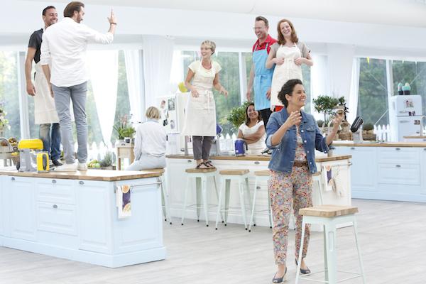 Vos questions sur le tournage du meilleur p tissier for Le decor de la cuisine