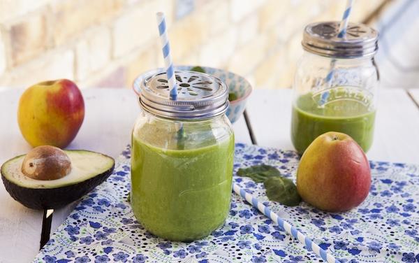 smoothie-green-epinards-avocat-pommes