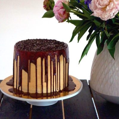 Layer cake gourmand chocolat-caramel