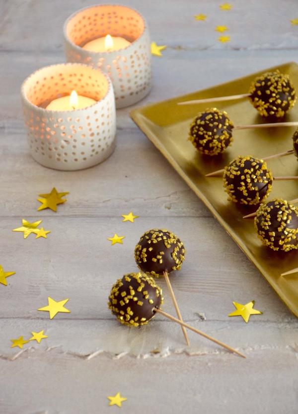 marzipan-chocolate-truffles-christmas