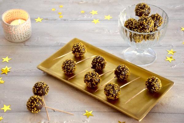 truffes-pate-amande-pops-noel