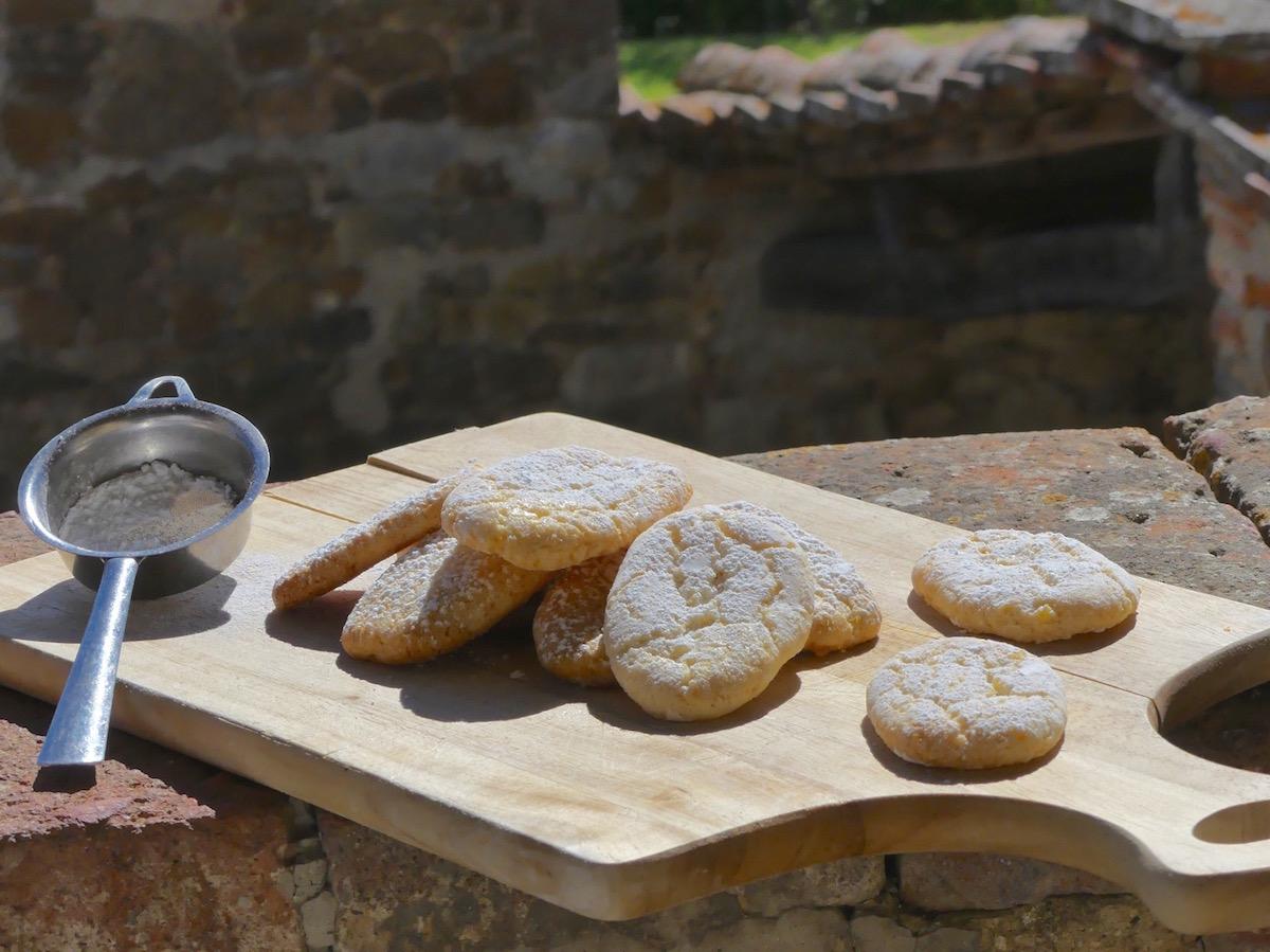 Sienna Ricciarelli biscuits