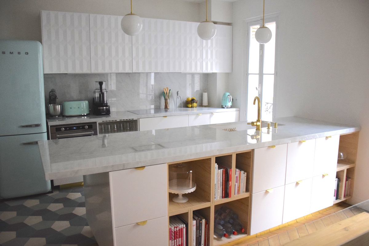 Ma nouvelle cuisine: or vert d'eau et marbre