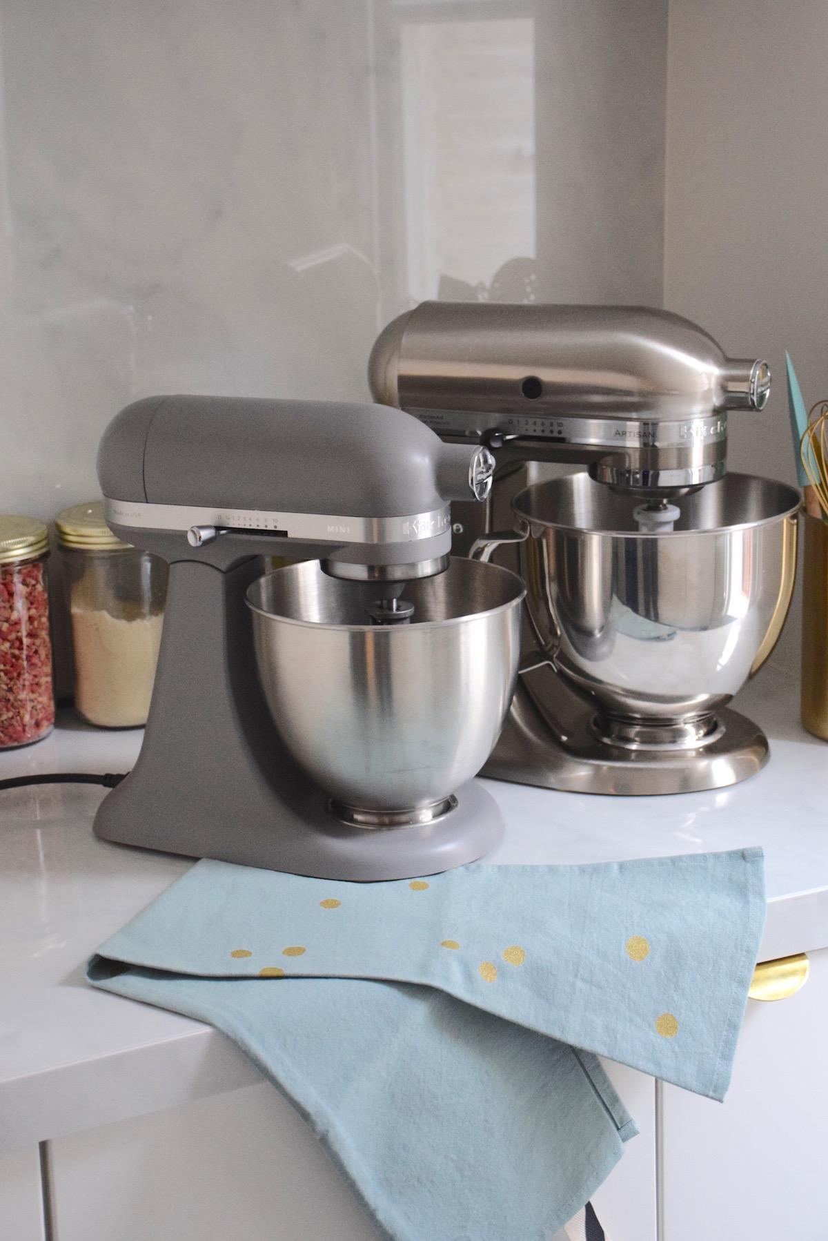 mini ou artisan quel robot p tissier kitchenaid choisir. Black Bedroom Furniture Sets. Home Design Ideas