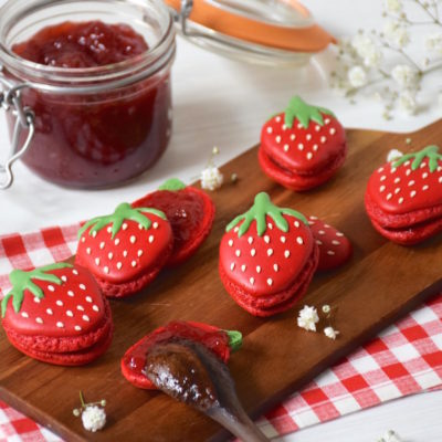 Envie de Fraise et de Printemps! – Macarons fraises en forme de fraise