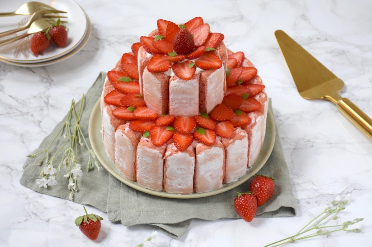 Charlotte glacée rhubarbe fraise