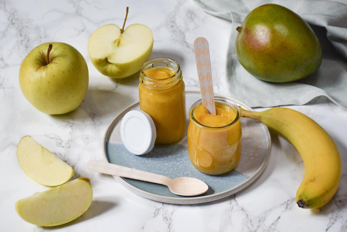 Petit pot bébé: compote pomme mangue banane