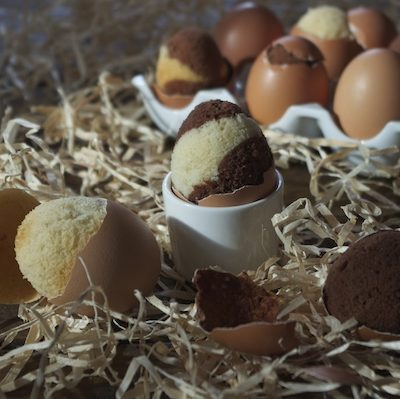 Petits marbrés cuits dans des œufs