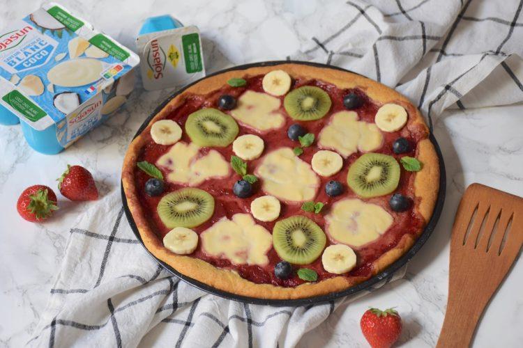 Pizza sucrée aux fruits et cookie