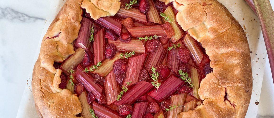 Tarte rustique rhubarbe fraise