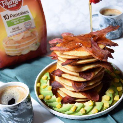 Pancakes bacon croustillant & sirop d'érable – Savoury Pancake Stack