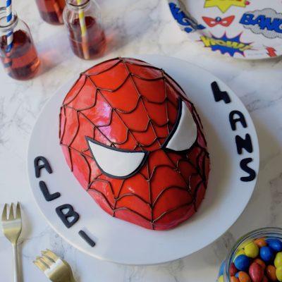 Gâteau Spiderman entremets à la fraise
